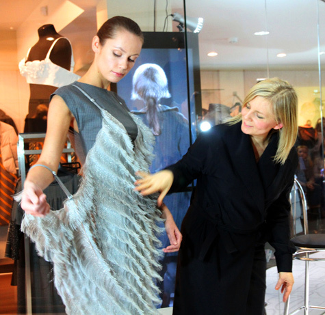 174afca6e7ed Платье из серебра и шерсти из последней коллекции. фото  Илья Шабардин