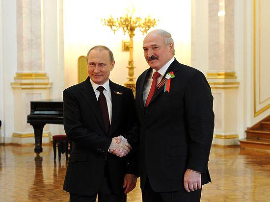 Путин надел значок, Лавров- бутоньерку, Матвиенко - бант