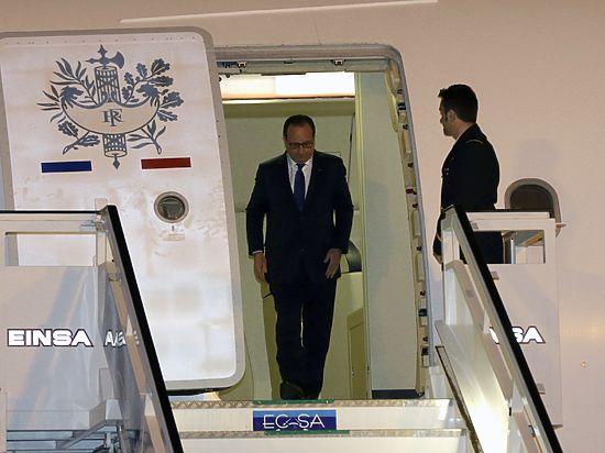 Впервые за 100 лет: президент Франции прибыл на Кубу