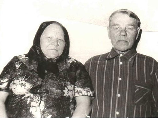 Прадед на ЗИС-5 воевал, а прабабушка в тылу и впрямь ковала