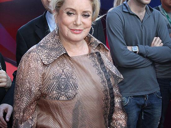 Катрин Денев открыла 68-й Каннский кинофестиваль