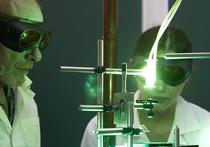 """""""Российское открытие"""": Ядерные отходы лазер превращает в удобрения"""