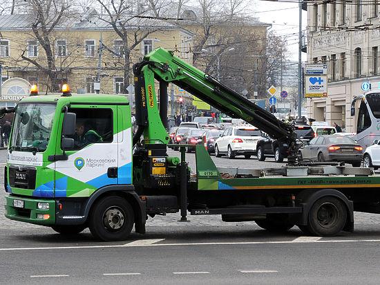 Московские власти выигрывают битву с депутатами и общественностью