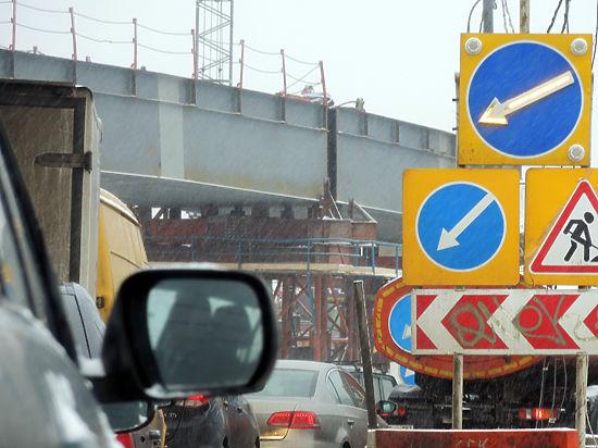 Москвич отсудил деньги за свалившийся на его машину кусок моста