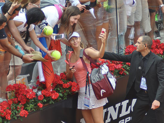 Шарапова победила Йовановски и вышла в четвертьфинал турнира в Риме