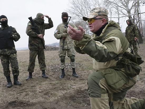 Мобилизация и национализация: что сулит военное положение на Украине