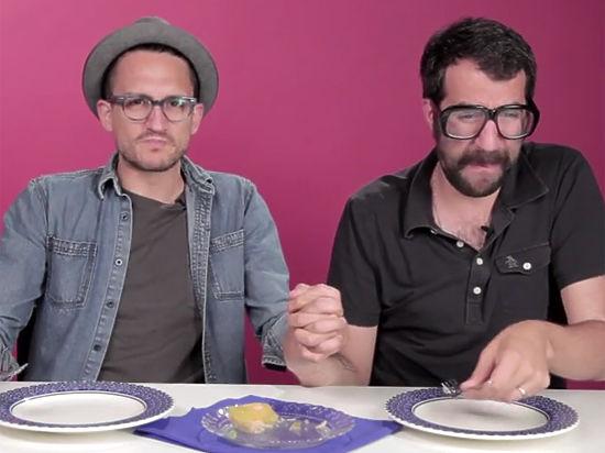 Американцев накормили холодцом с селедкой под шубой и сняли видео