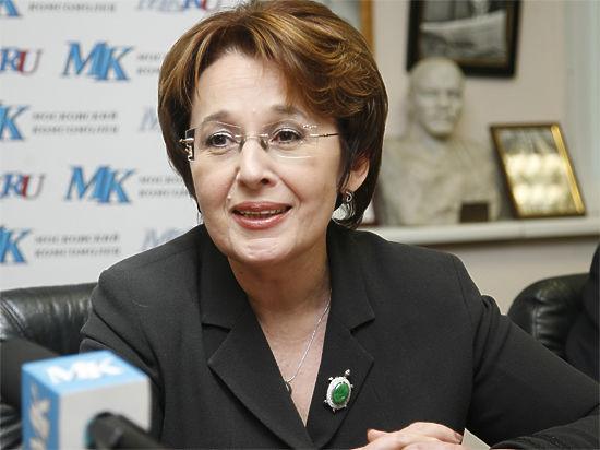 Оксана Дмитриева строит «Сильную Россию» вместо «Справедливой»