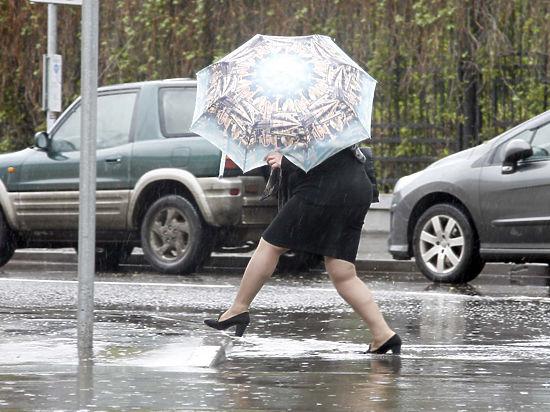 Испытание дождями и давлением: в Москве фиксируют новые погодные рекорды