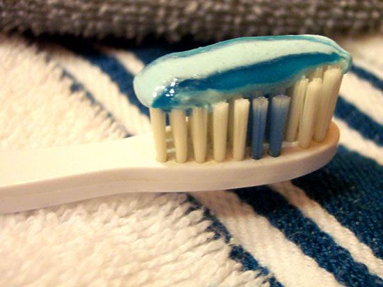 Певица Валентина Вишневская перепутала зубную пасту с краской для волос