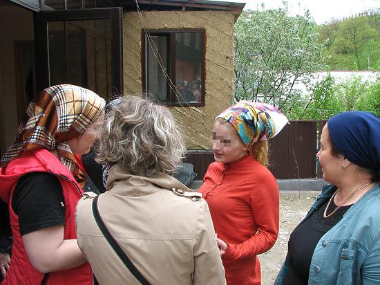 Чеченская журналистка: 17-летняя Гойлабиева грустила на