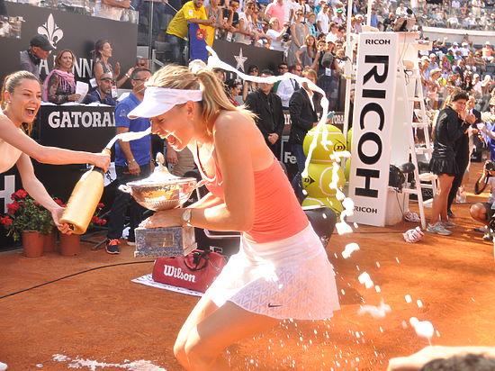 Шарапова победила на турнире в Риме и поднялась на вторую строчку рейтина WTA