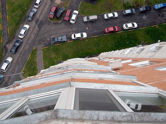 Московская школьница выбросилась из окна, не успев подготовиться к экзаменам