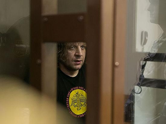 Следствие проверит окружение осужденного за изнасилование бойца Емельяненко