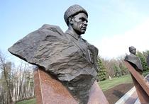 Почему генерал Шаймуратов, принявший мученическую смерть, так и не стал героем?