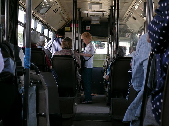 Из московских автобусов пропадают аварийные молоточки