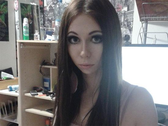 Московские полицейские задержали жену андрогина Эллисон Брукс за кражу одежды из бутика