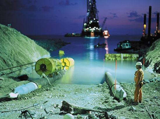"""Прокладка морской части газопровода """"Турецкий поток"""" через Черное море начнется в июне. При этом соглашения по проекту так и не подписаны"""