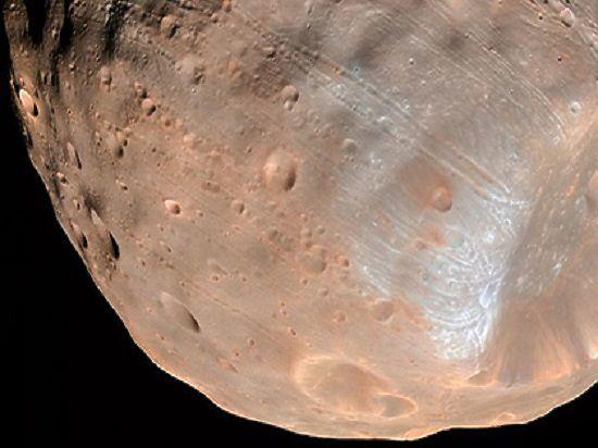 С Красной планетой столкнулся ее спутник массой примерно в десять раз тяжелее Цереры — крупнейшего тела в поясе астероидов