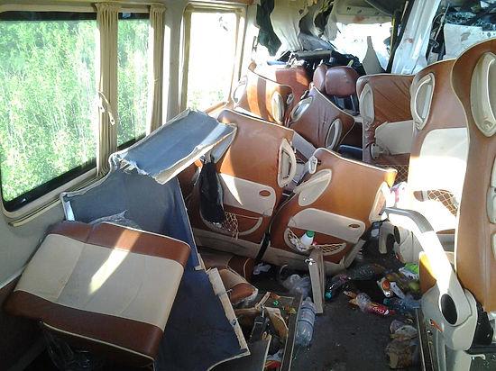 Водитель автобуса с детьми, попавшего в аварию, находится в больнице