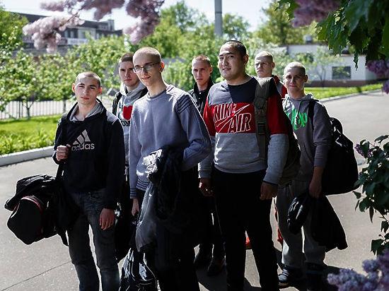 Армия придет к будущим призывникам прямо в школу