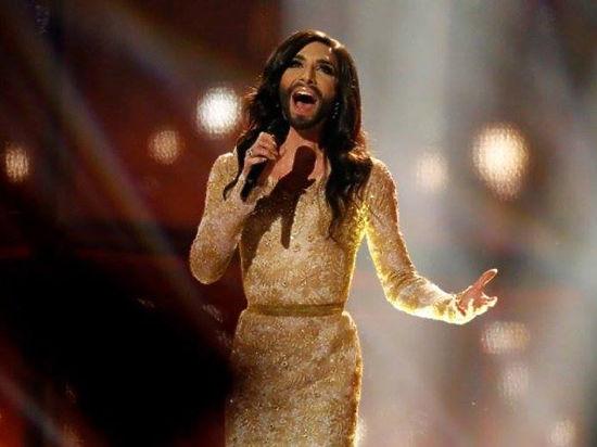 Блогер считает, что идея с бородатой певицей была заимствована у братьев Кристовских