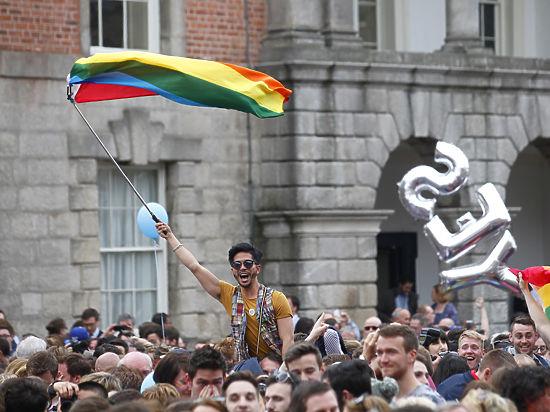 Ирландцы проголосовали за легализацию однополых браков на уровне конституции
