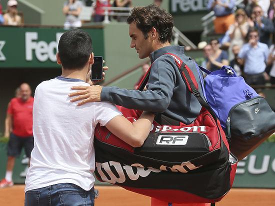 Федерер испугался мальчугана со смартфоном