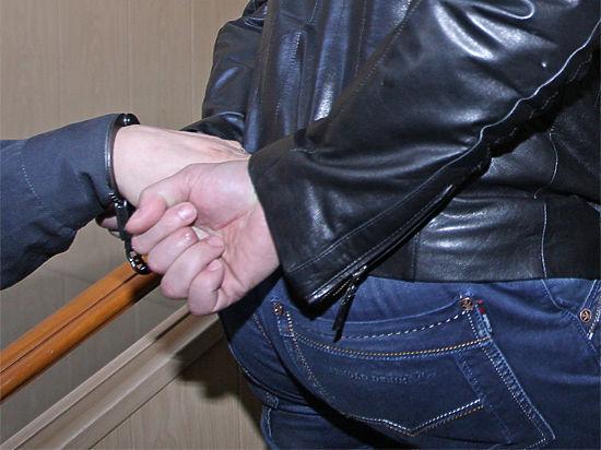 В Подмосковье подростки пытались изнасиловать одноклассницу, обвинив ее в краже