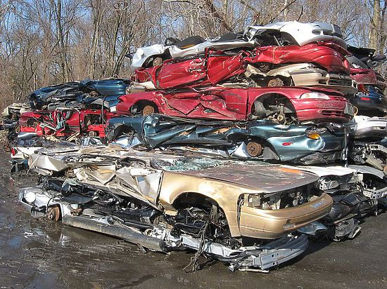 Денег, выделенных на программу утилизации, хватило лишь на 100 000 авто