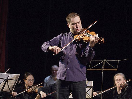 Знаменитый музыкант сыграл в Туле на инструментах Амати и Страдивари