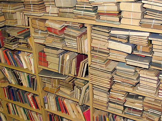 Списанную литературу столичные библиотеки выложат на полки буккроссинга для горожан