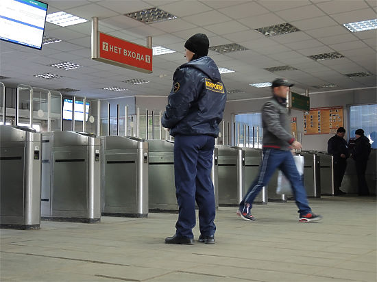 Билеты на поезд могут начать проверять перед входом на перрон