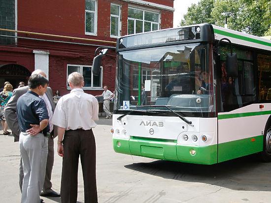 Московские автобусы избавят от турникетов