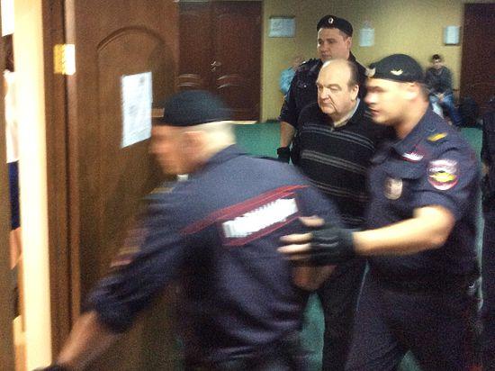Суд оставил под арестом экс-главу ФСИН Александра Реймера