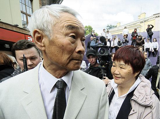 Отец Цоя собирает деньги на лечение рака