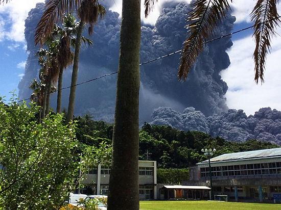 Остров пожилых людей покрылся пеплом