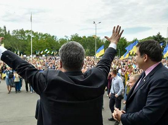 А одесситы новому губернатору пообещали: «Чемодан-паром-Батуми»