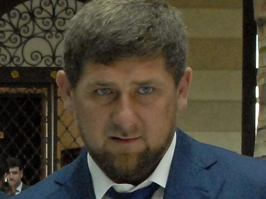 СМИ: Чеченские бюджетники перечисляют часть зарплаты вфонд Кадырова