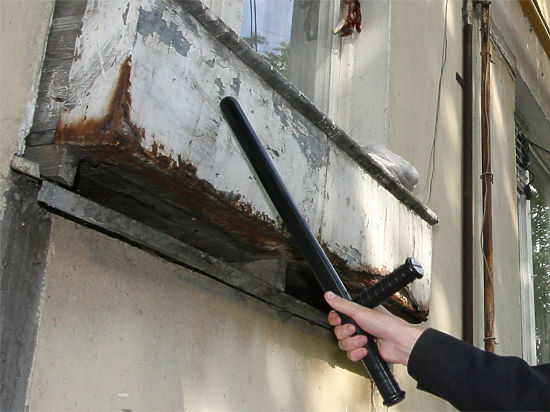 Подмосковные приставы впервые обыскали квартиру, чтобы найти должницу