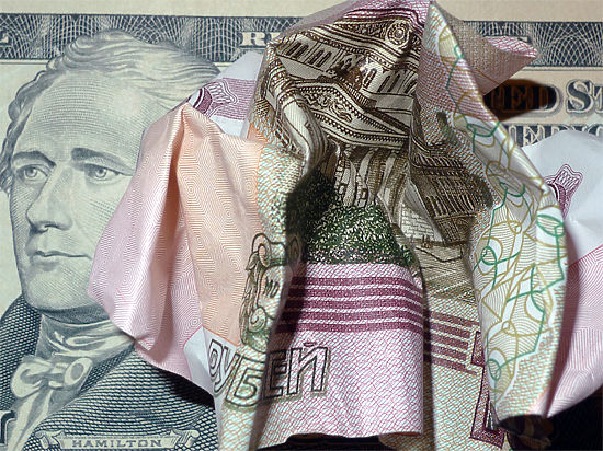 Повинны ли заявления российских чиновников в том, что национальная валюта стала резко падать?