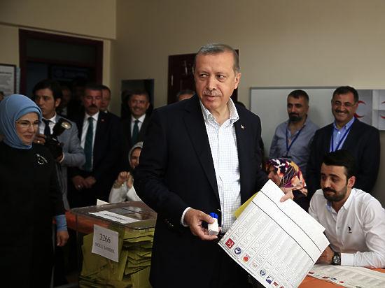 Избиратель показал Эрдогану «красную карточку»