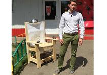 Активисты принесли муляж электрического стула к «Пятерочке»