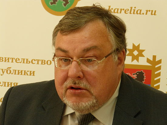 Руководитель ведомства Александр Морозов пообещал не «загонять» детей в интернаты из-за оптимизации