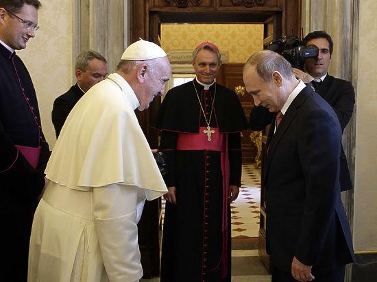 Папа Римский подарил Путину ангела-миротворца и передал пожелания патриарху