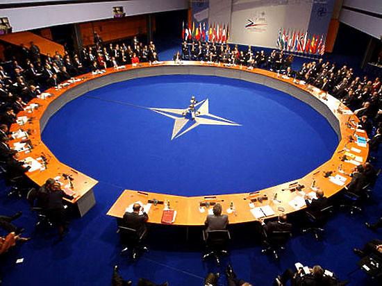 НАТО расширяется: Черногория стала