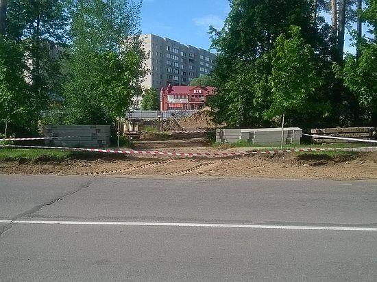 Депутаты нашли слабое место у котлована на Фестивальном