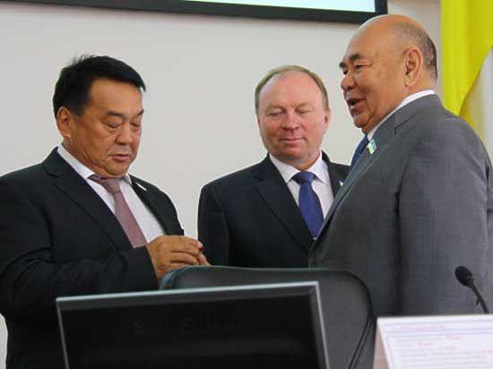 Бато Семенов променял пост вице-спикера НХ РБ на высокооплачиваемую должность в Монголии