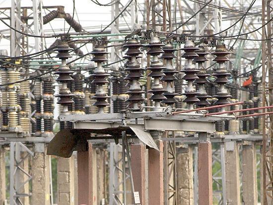 Конец света откладывается: «Укрэнерго» передумало отключать Крым от электроснабжения