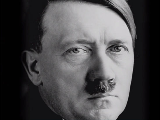 Фюрер Гитлер напал на русских вследствие болезни Паркинсона